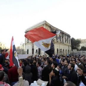 Un tribunal egipcio prohíbe que se practiquen pruebas de virginidad a las mujeres detenidas