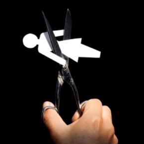 Cospedal suspende la ayuda económica a las maltratadas