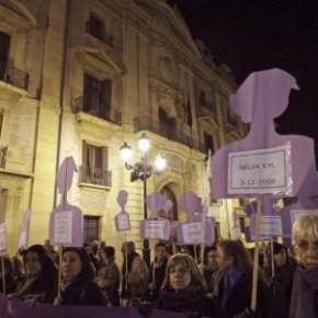 Feministas denuncian la supresión del término 'violencia de género' del Código Penal