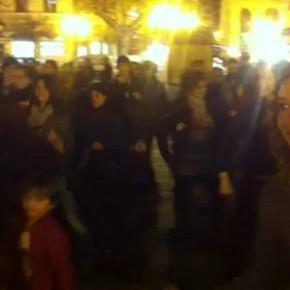 Decenas de valencianas bailan contra la violencia machista