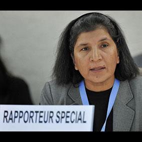 Sudán: Expertas de la ONU condenan azotes a mujeres